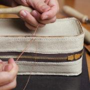 第11回目、胴、玉縁、横マチを縫い合わせる。
