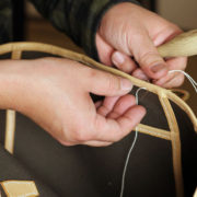第7回、トートバッグの間口に巻き革を縫いつける
