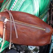 バイク乗り必見、タンデムの激渋新作バッグ