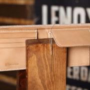 ショートタイプのヌメ革財布の制作レポート