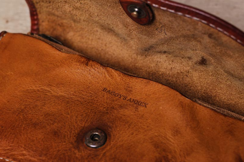 バギーズアネックスの革財布、ホックの修理