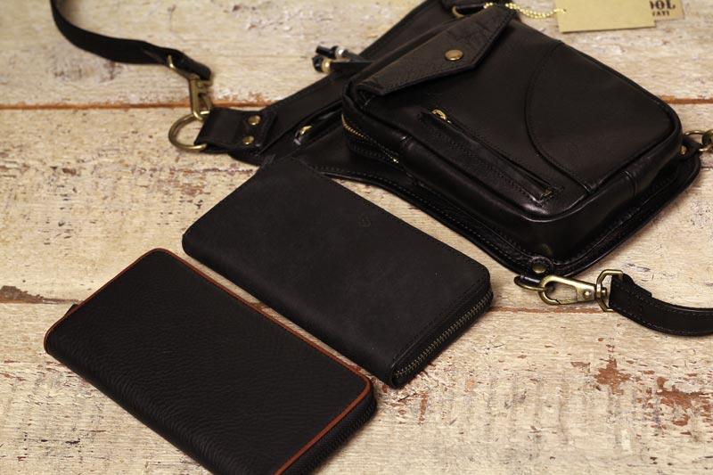 タンデム、ホルスターバッグ53150にラウンド長財布を入れてみた