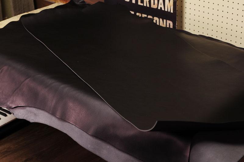 M.P.G. cuoificio社のNEW YORK。ブラックレザーの革財布