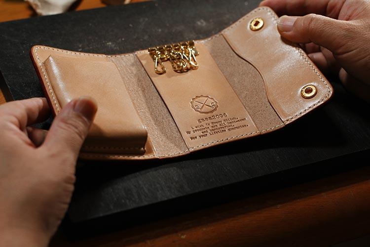 手作りのヌメ革キーケース