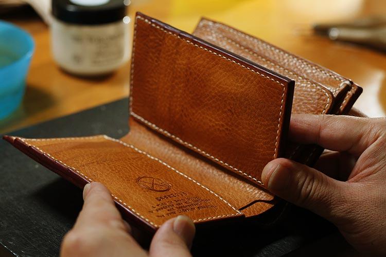 エルバマットのミドル財布をオーダーメイドで制作