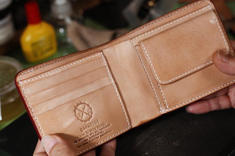 オーダーメイドで手作りする、二つ折り革財布