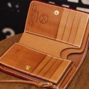 イタリアンレザー、エルバマットで仕立てた革財布~ファスナー小銭入れ仕様