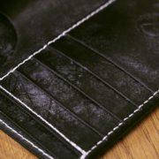 ブライドルレザーをフル使用したミドル革財布~外側内側、全てイギリス謹製のブライドルレザーで仕立てたオーダーメイドの革財布、ミドルウォレットをご紹介します!
